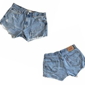 LEVIS 550 High Rise cut off distressed Jean shorts